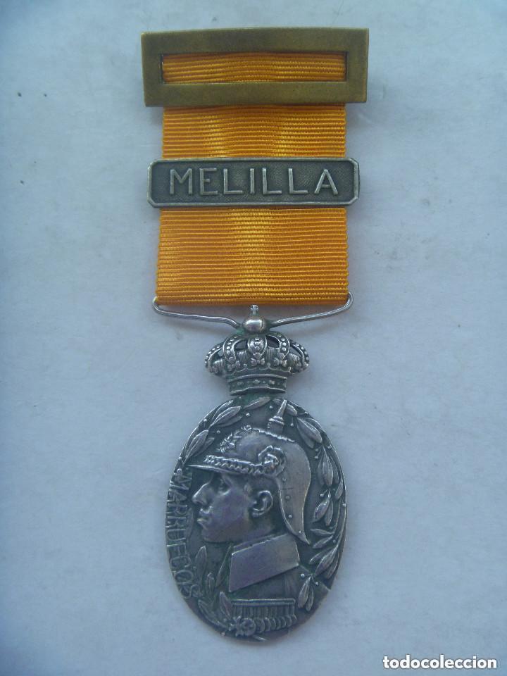 GUERRA DE AFRICA : MEDALLA DE LA CAMPAÑA DEL RIF PARA OFICIALES ( DE PLATA ), PASADOR MELILLA. (Militar - Medallas Españolas Originales )