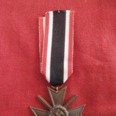 Militaria: MEDALLA CONDECORACIÓN ALEMANA ORDEN AL MÉRITO CON ESPADAS II SEGUNDA GUERRA MUNDIAL III REICH ALEMÁN. Lote 133256914