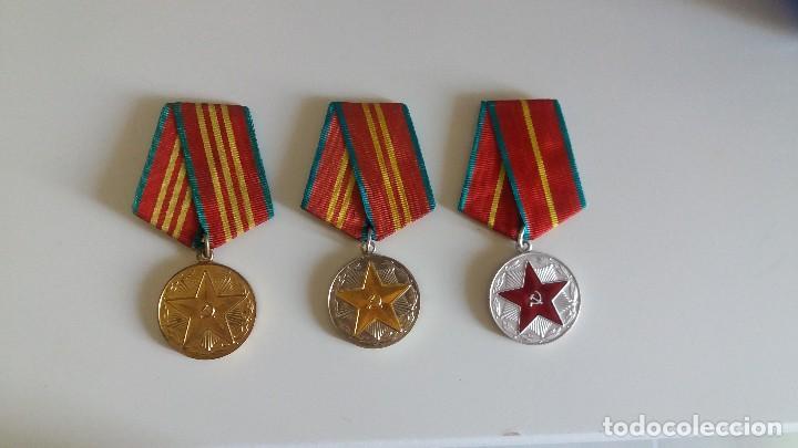 LOTE DE 3 MEDALLA S SOVIÉTICA S SERVICIO IRREPROCHABLE 10, 15, 20 AÑOS. URSS. RUSIA (Militar - Medallas Extranjeras Originales)