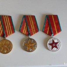 Militaria: LOTE DE 3 MEDALLA S SOVIÉTICA S SERVICIO IRREPROCHABLE 10, 15, 20 AÑOS. URSS. RUSIA. Lote 133818482