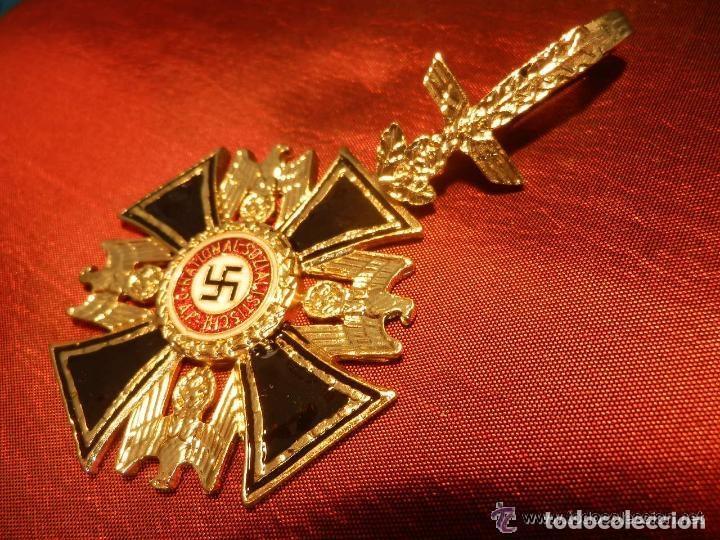 ORDEN DEL AGULA CRUZ DE CABALLERO DE LA SEGUNDA GUERRA MUNDIAL III REICH REPLICA (Militar - Reproducciones y Réplicas de Medallas )