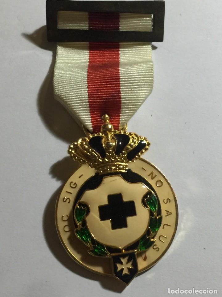 MEDALLA CRUZ ROJA IN HOC SIGNO SALUS MILITAR (Militar - Medallas Españolas Originales )