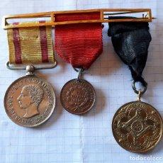 Militaria: PASADOR CON 3 MEDALLAS. Lote 135367466