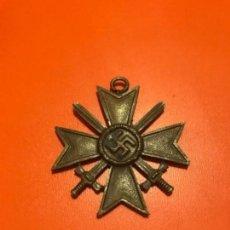 Militaria: MEDALLA ALEMANA III REICH 1939 ESVASTICA CRUZ MÉRITO GUERRA. Lote 135776302