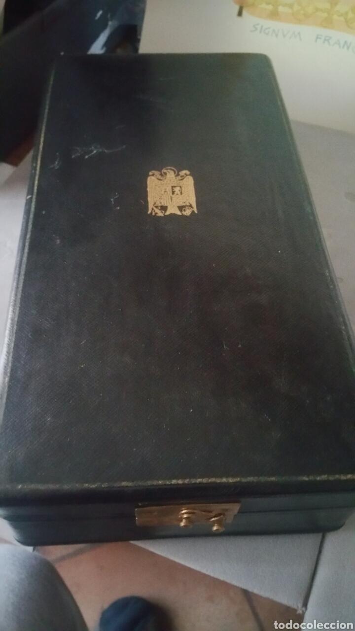 Militaria: Gran cruz y venera de la Orden Imperial del yugo y las flechas realizada en plata y onix otorgada a - Foto 15 - 135821229