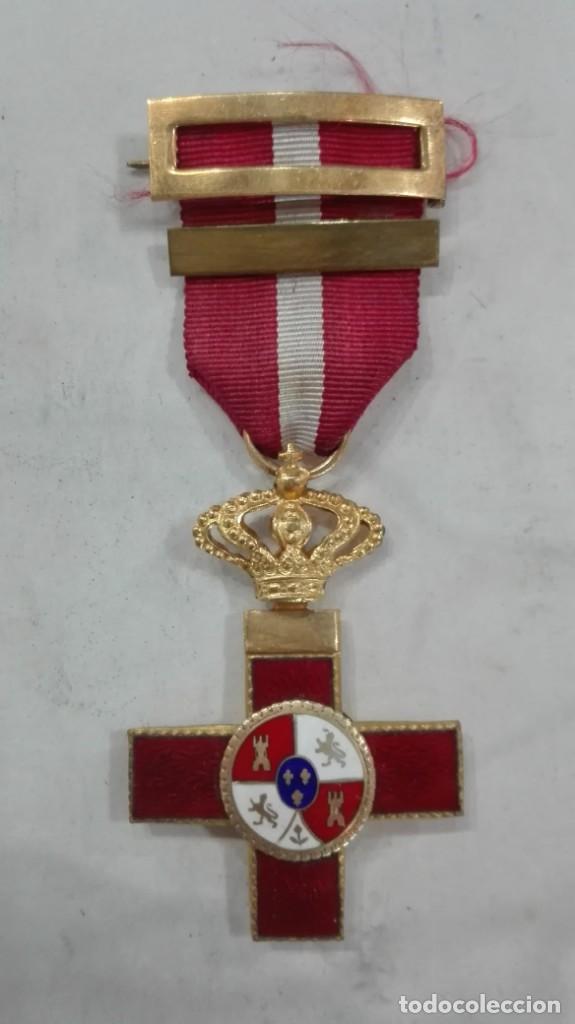 CRUZ AL MÉRITO MILITAR DISTINTIVO ROJO (Militar - Medallas Españolas Originales )