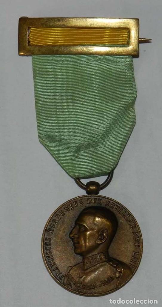 MEDALLA ORDEN MILITAR Y HOSPITALARIA DE SAN LÁZARO DE JERUSALÉN, AÑO 1935, REPUBLICA, FRANCISCO DE B (Militar - Medallas Españolas Originales )