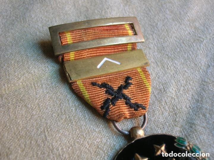 Militaria: MEDALLA FRANQUISTA DE LA VIEJA GUARDIA. REQUETES. PRIMERA LINEA. AÑO 1933. JERARCA. FALANGE - Foto 3 - 139132614