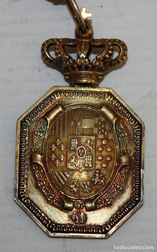 Militaria: MEDALLA DE CUELLO DE JUSTICIA EN PLATA DE LEY Y CORONA OSCILANTE, CON CORDÓN. EPOCA ALFONSO XIII - Foto 2 - 139536050