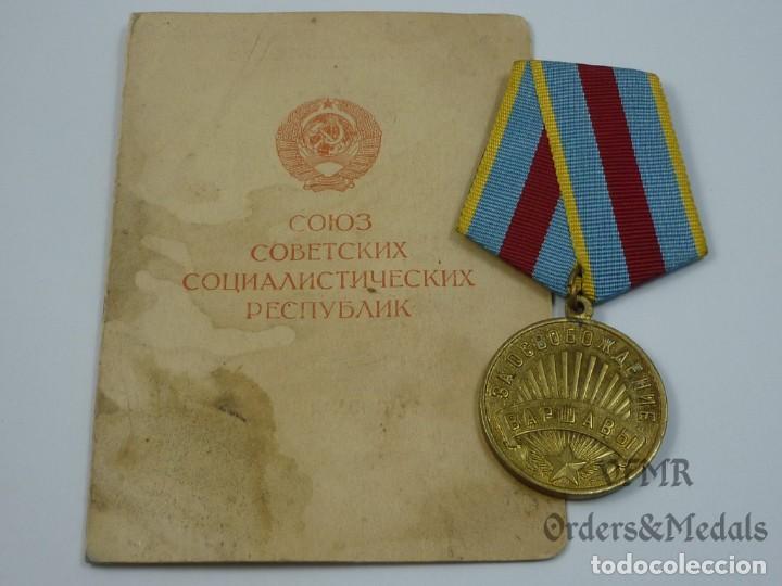 URSS - MEDALLA DE LA LIBERACIÓN DE VARSOVIA CON DOCUMENTO (Militar - Medallas Extranjeras Originales)
