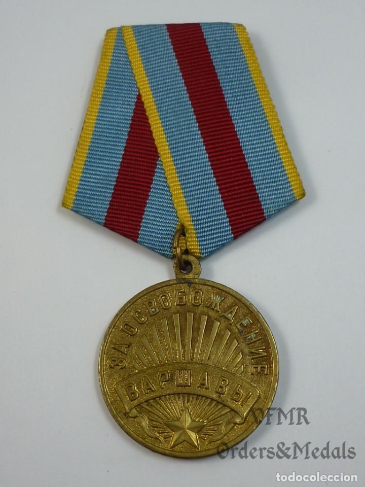 Militaria: URSS - Medalla de la liberación de Varsovia con documento - Foto 2 - 139558246