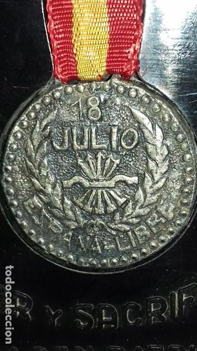 Military: 18 JULIO ESPAÑA LIBRE. AMOR Y SACRIFICIO HACEN PATRIA. CON CAJA ORIGINAL RENTERIA Nº 051 - Foto 3 - 139893282
