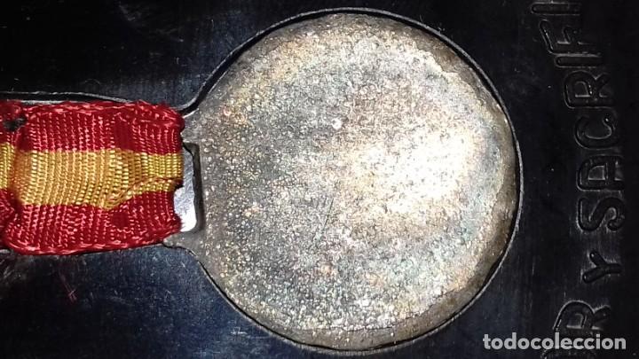 Military: 18 JULIO ESPAÑA LIBRE. AMOR Y SACRIFICIO HACEN PATRIA. CON CAJA ORIGINAL RENTERIA Nº 051 - Foto 4 - 139893282