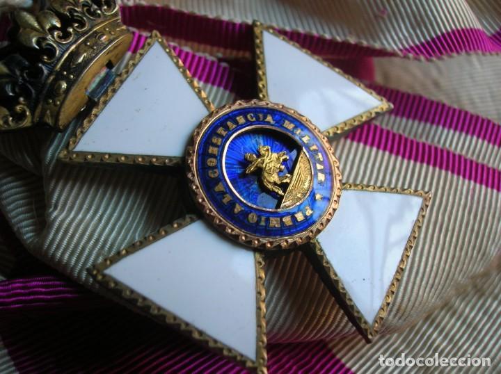 Militaria: MUY ANTIGUA BANDA DE MOARÉ CON SU VENERA EN PLATA DE LA GRAN CRUZ DE LA ORDEN DE SAN HERMENEGILDO. - Foto 3 - 139942038