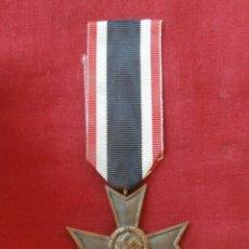 Militaria: MEDALLA CONDECORACIÓN ALEMANA ORDEN AL MÉRITO SIN ESPADAS II SEGUNDA GUERRA MUNDIAL III REICH ALEMÁN. Lote 141958718