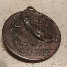 Militaria: MEDALLA 18 JULIO 1936 ALZAMIENTO 1 ABRIL 1939 VICTORIA. Lote 143721497