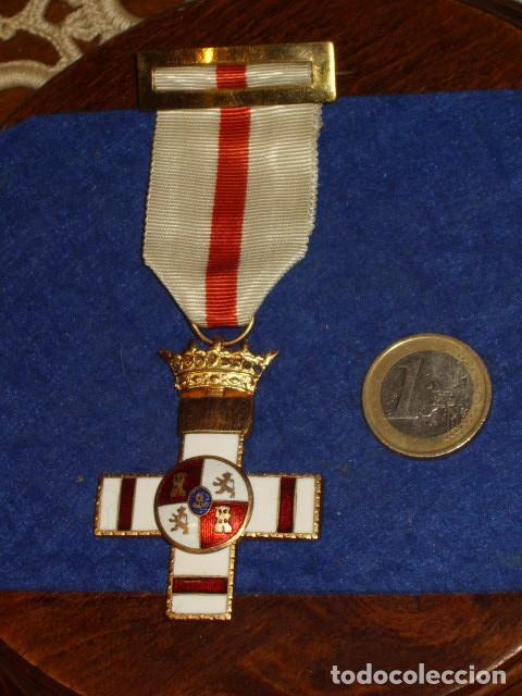 CRUZ MERITO MILITAR,DISTINTIVO BLANCO.PENSIONADA. (Militar - Medallas Españolas Originales )