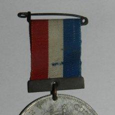 Militaria: MEDALLA KING GEORGE V & QUEEN MARY, JUBILEE MEDAL 1910-1935, REALIZADA EN ALUMINIO, MIDE 3,5 CMS DE . Lote 144314290