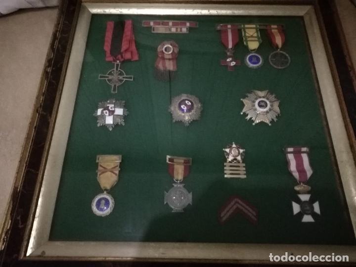 Militaria: Cuadro con medallas militares originales - Foto 2 - 144869322