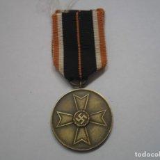 Militaria: MEDALLA DEL MERITO MILITAR 1939, ALEMANIA - MEDALLA ORIGINAL CON SU CINTA. Lote 64765049