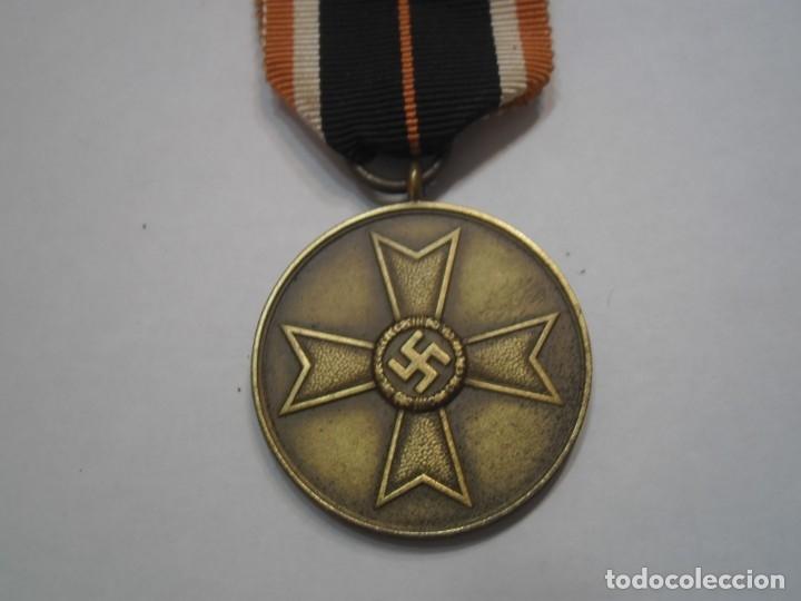 Militaria: Medalla del merito militar 1939, alemania - medalla original con su cinta - Foto 2 - 64765049