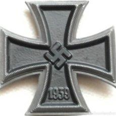 Militaria: RÉPLICA CRUZ DE HIERRO DE 1ª CLASE. ALEMANIA. 2ª GUERRA MUNDIAL. 1939-1945 INSCRIPCIÓN DE FABRICANTE. Lote 145793370