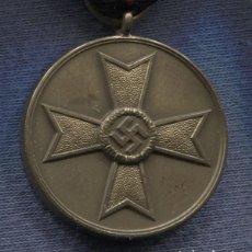 Militaria: ALEMANIA III REICH. MEDALLA AL MÉRITO DE GUERRA. KVM KRIEGSVERDIENST MEDAILLE. 1939.. Lote 149516214