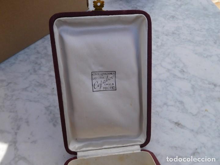 Militaria: Caja antigua para condecoración militar española encomienda o venera Cejalvo Madrid - Foto 3 - 150099042