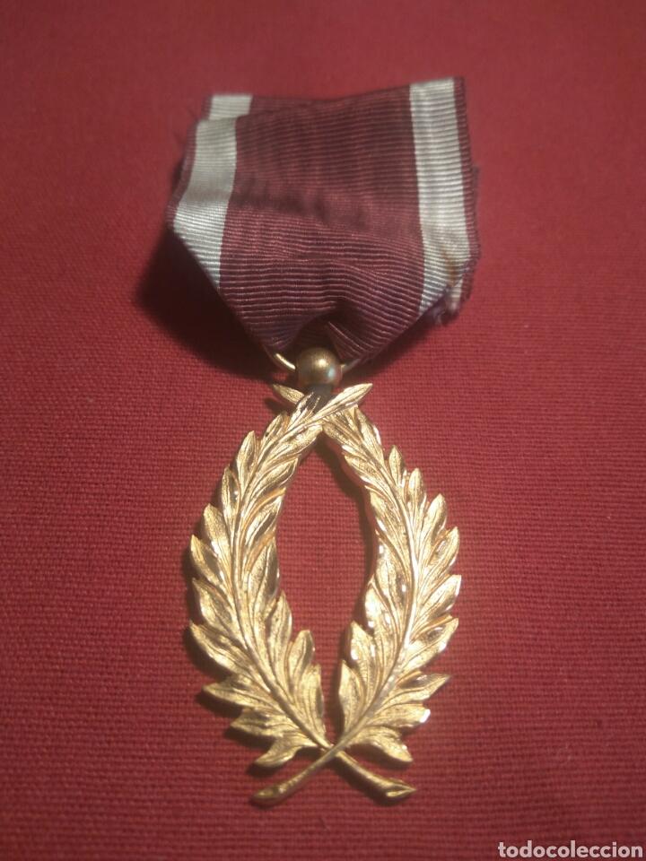 ORDEN DE LA CORONA BÉLGICA (Militar - Medallas Internacionales Originales)
