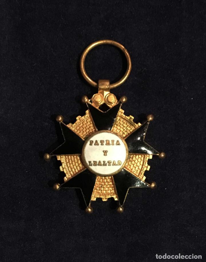BENEMERITO A LA PATRIA, PATRIA Y LEALTAD (Militar - Medallas Españolas Originales )