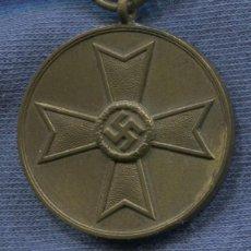 Militaria: ALEMANIA III REICH. MEDALLA AL MÉRITO DE GUERRA. KVM KRIEGSVERDIENST MEDAILLE. 1939.. Lote 150755802