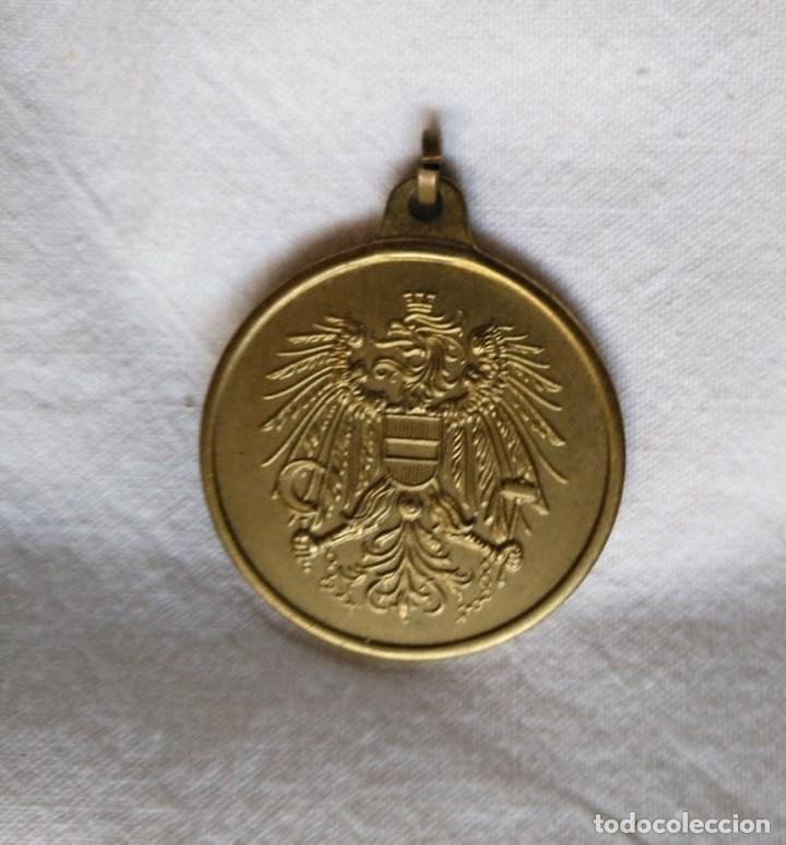 MEDALLA AUSTRÍACA, SIN CINTA. (Militar - Medallas Extranjeras Originales)