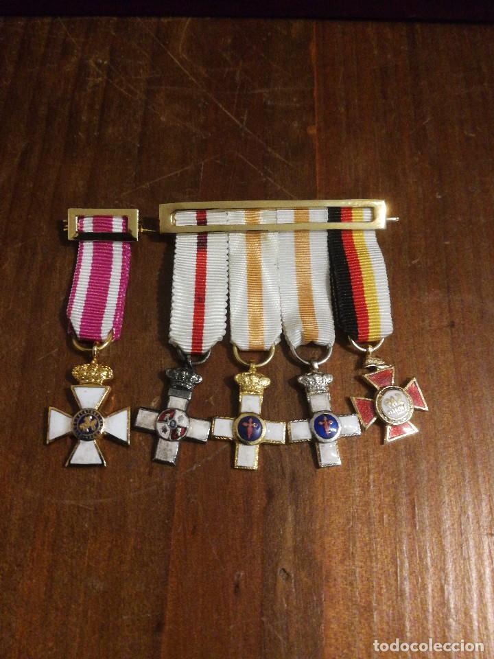 PASADORES CON MEDALLAS MINIATURAS. (Militar - Medallas Españolas Originales )
