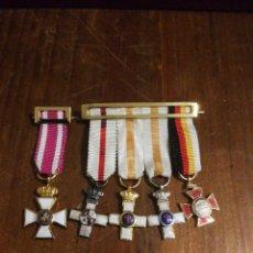 Militaria: PASADORES CON MEDALLAS MINIATURAS. . Lote 152066074