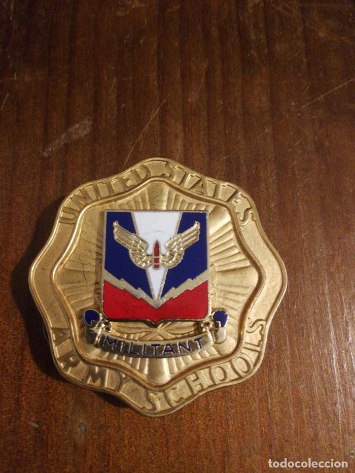 MEDALLA ESCUELA ESTADOS UNIDOS DE DEFENSA AÉREA. (Militar - Medallas Internacionales Originales)