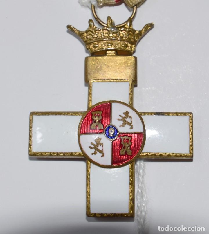 MEDALLA MÉRITO MILITAR DISTINTIVO BLANCO ÉPOCA FRANCO (Militar - Medallas Españolas Originales )