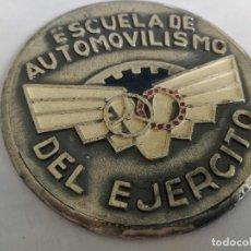 Militaria: ANTIGUA Y PRECIOSA PLACA O MEDALLA ESMALTADA DE LA ESCUELA DE AUTOMOVILISMO DEL EJERCITO - EPOCA DE . Lote 153523874