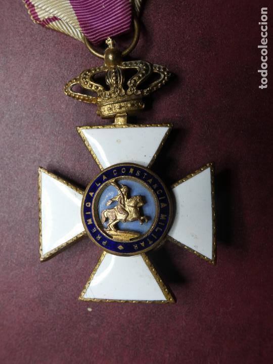 CRUZ MEDALLA PREMIO A LA CONSTANCIA MILITAR F VII. ESMALTE MUY BUEN ESTADO. SAN HERMENEGILDO (Militar - Medallas Españolas Originales )