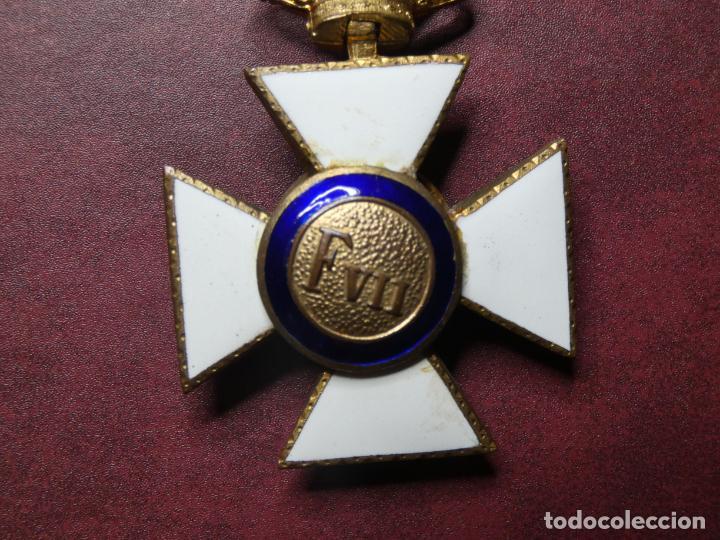 Militaria: Cruz medalla premio a la constancia militar F VII. esmalte muy buen estado. San Hermenegildo - Foto 4 - 154273282