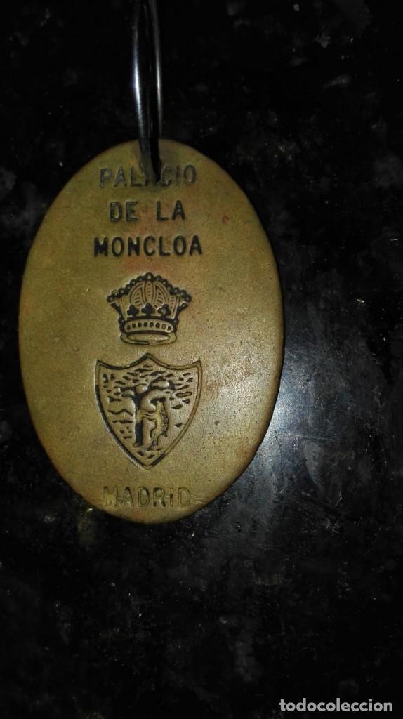 CHAPA ORIGINAL DE LA PALACIO DE LA MONCLOA (Militar - Medallas Españolas Originales )