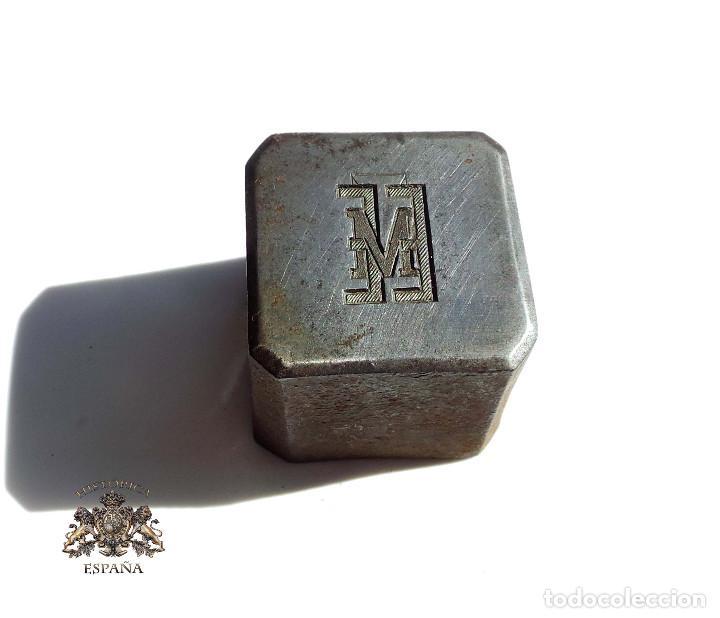 TROQUEL DISTINTIVO ESCUELA ENSEÑANZA MILITAR. PARA CUELLO (Militar - Medallas Españolas Originales )