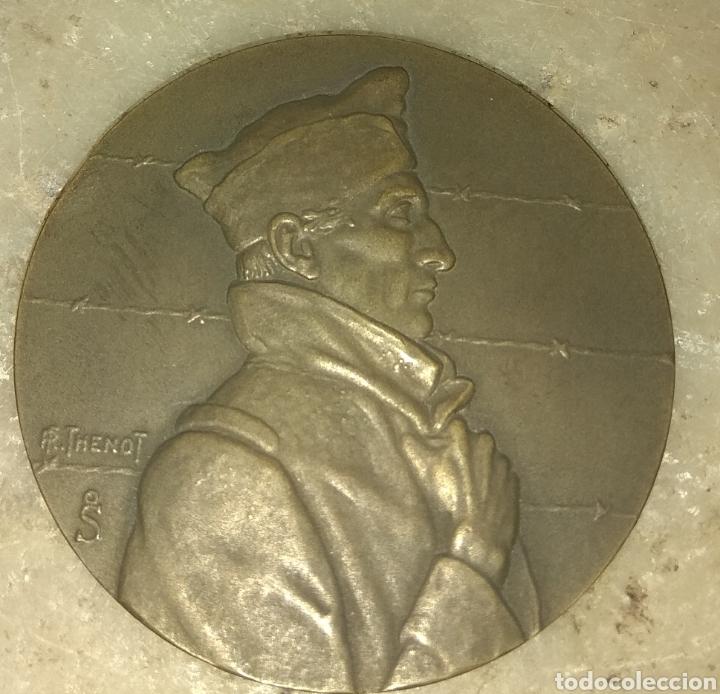 Militaria: Medalla Prisioneros de Guerra Franceses - Firmada R. Thenot 1944 - Foto 3 - 157281921