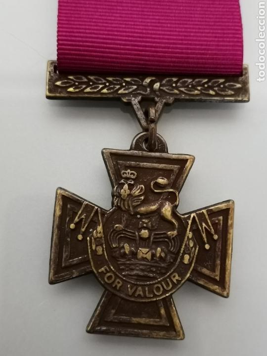 Militaria: ANTIGUA MEDALLA MILITAR FOR VALOUR REINA VICTORIA INGLATERRA REPLICA CAJA ORIGINAL - Foto 2 - 157338873
