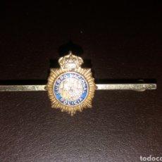 Militaria: PASACORBATAS POLICÍA NACIONAL. Lote 157934378