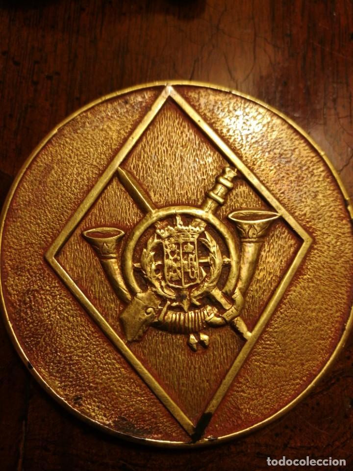 Militaria: Medalla trofeo dorado de un regimiento de infantería guerra civil o inmediatamente posterior. - Foto 3 - 158171298