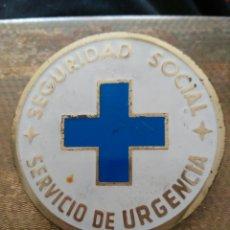 Militaria: INSIGNIA METALICA SEGURIDAD SOCIAL,EPOCA FRANQUISTA. Lote 159952618
