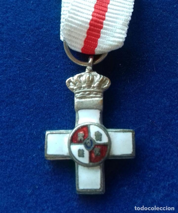 MEDALLA MINIATURA DE LA CRUZ DEL MERITO MILITAR DISTINTIVO BLANCO - EPOCA JUAN CARLOS I (Militar - Medallas Españolas Originales )
