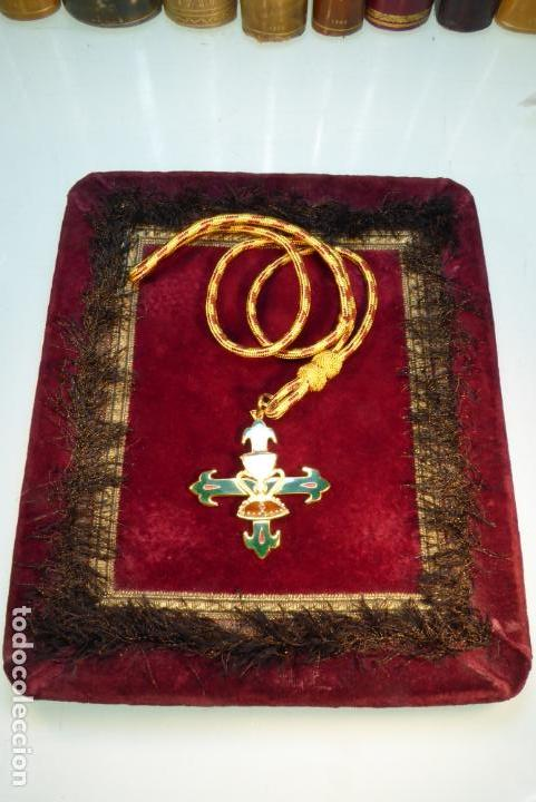 Militaria: Medalla con cruz de la orden del santo cáliz de Valencia. - Foto 2 - 161950638