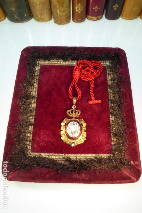 Militaria: Bella medalla de la academia de genealogía, nobleza y armas de Alfonos XIII. - Foto 2 - 161953742