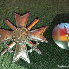 Militaria: REPRO. CRUZ MERITO MILITAR KRIEGSVERDIENSTKREUZ 1 KLASSE. WAFFEN SS WEHRMACHT. Lote 164153998